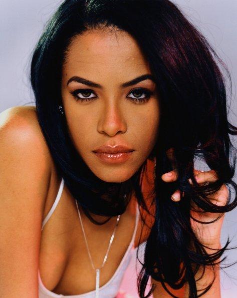 fanpop.com-Aaliyah-aaliyah-20081860-2036-2560